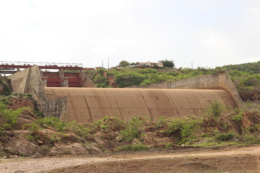 Sangradouro viu água pela última vez em 2009. (Foto: Jéssica Welma/Tribuna do Ceará)