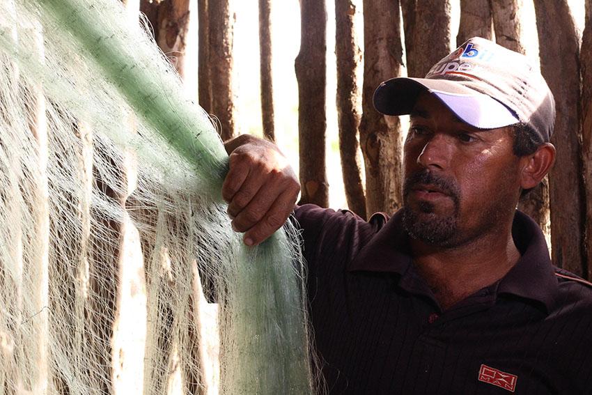 Pescador Antônio Girão, de 35 anos. (Foto: Jéssica Welma/Tribuna do Ceará)
