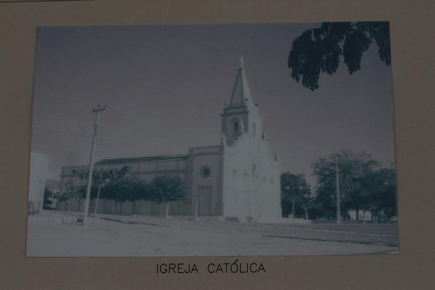 Matriz demolida na Velha Jaguaribara em memorial no Dnocs. (Foto: Jéssica Welma/Tribuna do Ceará)