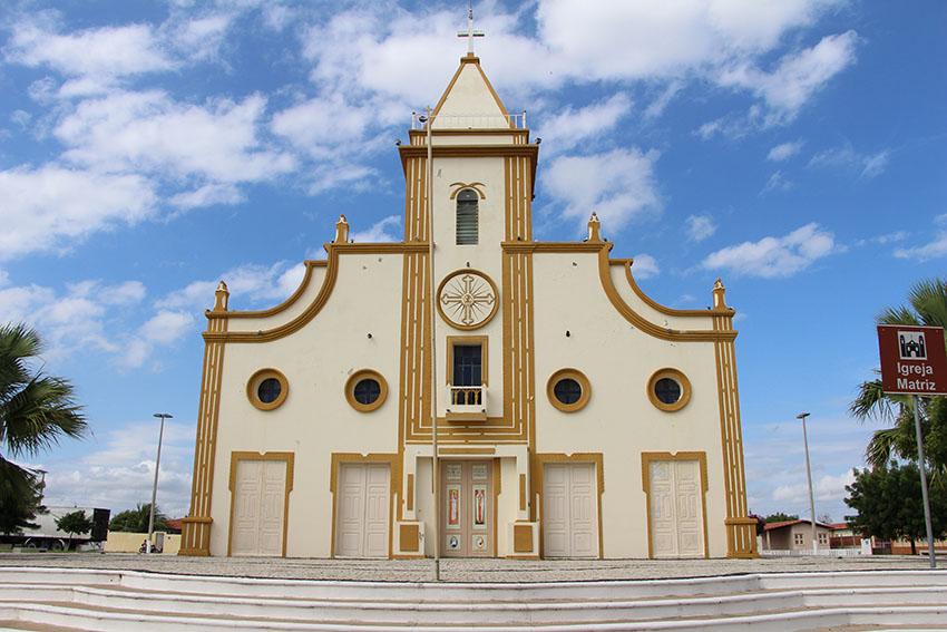 Réplica da igreja matriz destruída na Nova Jaguaribara. (Foto: Jéssica Welma/Tribuna do Ceará)