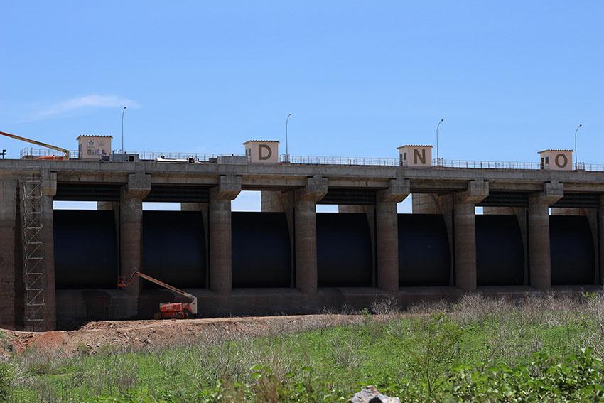 Barragem passa por obras de recuperação e modernização. (Foto: Jéssica Welma/Tribuna do Ceará)
