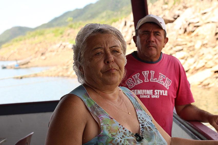 Maria das Graças, proprietária de restaurante móvel no Orós. (Foto: Jéssica Welma/Tribuna do Ceará)